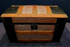 Vintage Early 20th Century Dome Top Trunk for Sale in Dowling, MI