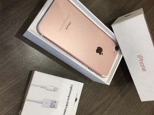 Rose gold iPhone 7 32gb unlocked 320obo for Sale in Laveen Village, AZ