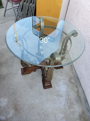 Coffee table end table. for Sale in Garden Grove, CA