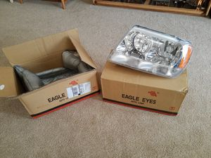 '99-'04 Jeep Grand Cherokee replacement headlights for Sale in Battle Ground, WA