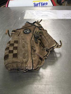 Nike Baseball Glove for Sale in Matawan, NJ