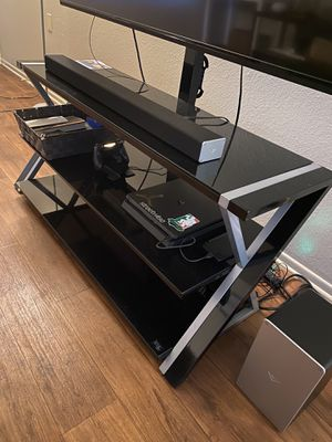 TV stand and mount for Sale in Cypress, CA