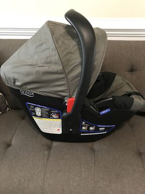 Britax infant car seat and base for Sale in Jacksonville, NC