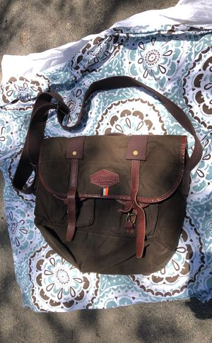 Superdry messenger bag for Sale in Thousand Palms, CA