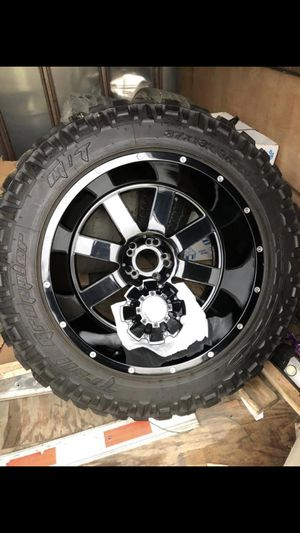 ONE WHEEL/TIRE Brand new Moto Metal 22x14 (5x5 - Jeep) on new Nitto Trail Grappler 37-13.5/22 for Sale in Houston, TX