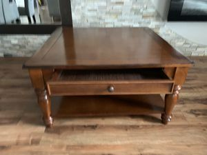 """Solid wood coffee table with two drawers !!! 19"""" H 36"""" x 36"""" for Sale in Vancouver, WA"""