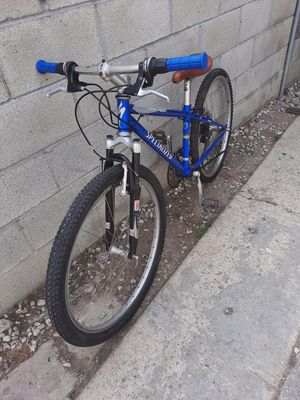 Specialized Mountain bike size small wheels 26 for Sale in Los Angeles, CA
