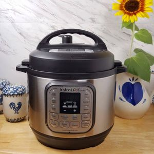Instant pot mini 3 quart for Sale in Fresno, CA