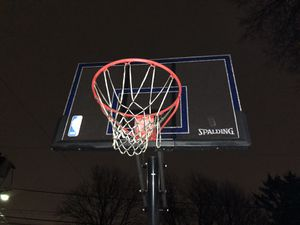 Spalding basketball hoop 9/10 like new for Sale in Bellwood, IL