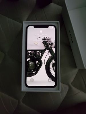 Perfect condition iPhone XS 64GB Black for Sale in Lake Worth, FL