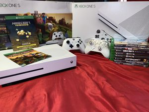 Xbox one s 1tb Minecraft edition for Sale in Victoria, TX