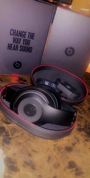 Black Beats by Dre Studio 3 Wireless for Sale in Dearborn Heights, MI