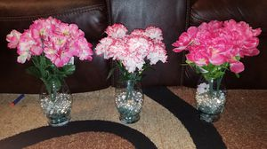 NEW FLOWERS, VASES, AND GLASS BEADS SOLD AS A SET FOR $27 for Sale in St. Louis, MO