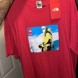 SUPREME TEES ALL SIZE L AND XL Brand New CASH ONLY TODAY !! SWIPE TO SEE MORE for Sale in Cherry Hill, NJ