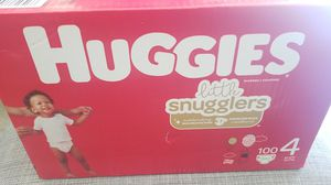 HUGGIES LIL MOVERS SIZE 4 100CT for Sale in Fontana, CA