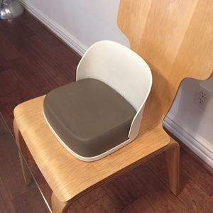 Booster Seat For Toddler for Sale in Los Angeles, CA