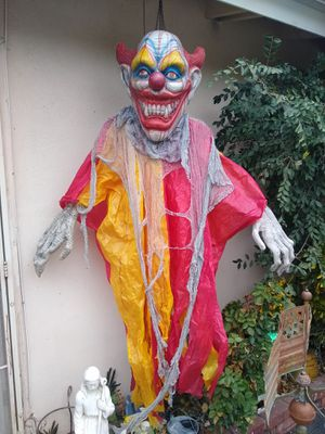 Large Holloween Clown Life Size Horror Halloween for Sale in Orange, CA