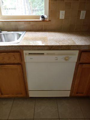 Whirlpool Dishwasher, good working condition for Sale in Mountlake Terrace, WA