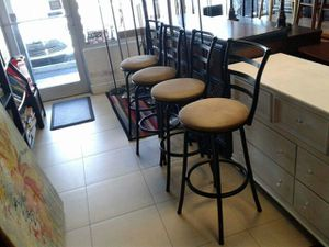 3 bar stools for Sale in Sunrise, FL