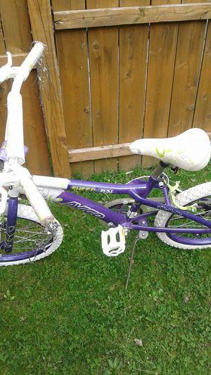 girls 20in tires bike for Sale in Mount Lebanon, PA