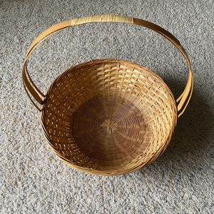 ‼️Large Wicker Basket with Handle‼️ for Sale in Edgar, WI