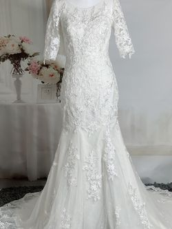 Ivory Lace Mermaid Sheath Wedding Dress With Half Sleeve for Sale in Fort Lauderdale,  FL