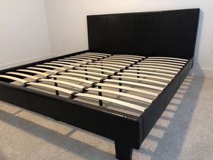 King size bed with plush mattress for Sale in Dallas, TX
