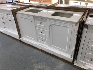 """60"""" bathroom vanity set new quartz top two sinks BRAND NEW for Sale in Federal Way, WA"""
