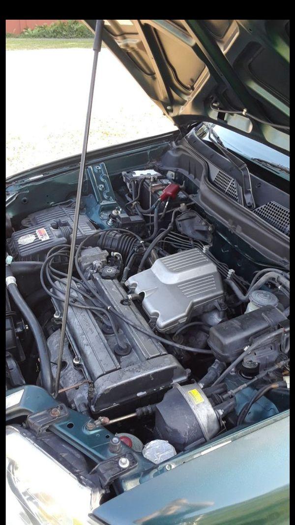99 Honda CR-V promedio menos de 8,500 millas al anio