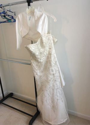 David's bridal wedding dress used once size 10 for Sale in Morrisville, NC