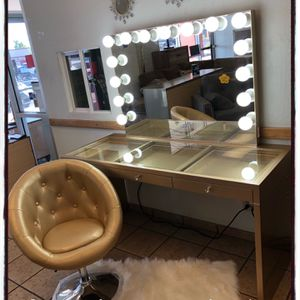 Vanity With Chair Brand New for Sale in Phoenix, AZ