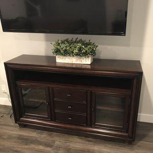 TV Stand/Console for Sale in Cerritos, CA