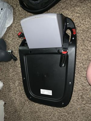 Britax safe cell car seat and base for Sale in Ocala, FL
