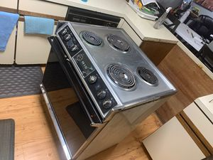 """General Electric """"Slide-In"""" Range/Self-Cleaning (Electric) Stovetop/Oven for Sale in Galesburg, MI"""