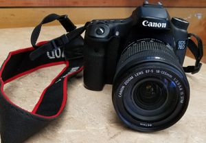 CANON EOS 70D 20.2MP DIGITAL SLR CAMERA WITH EF-STM 18-135MM for Sale in Canoga Park, CA