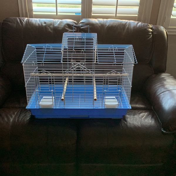 Bird Cage Practically New Condition /Perfectly Clean Medium Sized