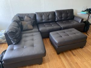 Sectional - Black couch - Rittenhouse Area for Sale in MIDDLE CITY WEST, PA