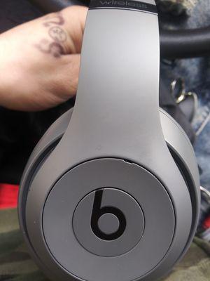 Beats by dre. Studio 3 wireless headphones for Sale in Weldon Spring, MO