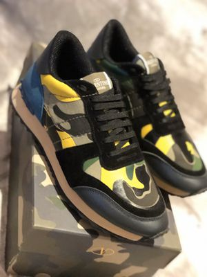 Valentino Sneakers Size 41 EUR for Sale in Miami, FL