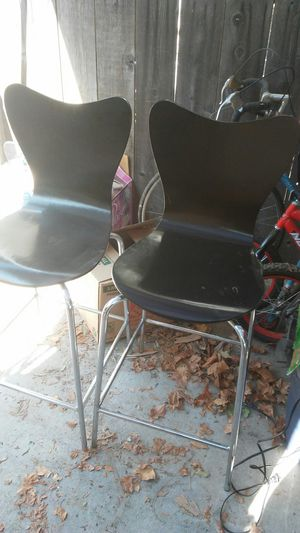 2 tall chairs for Sale in Fresno, CA