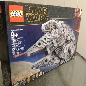 New Lego Star Wars 75257 Millennium Falcon. for Sale in Albuquerque, NM