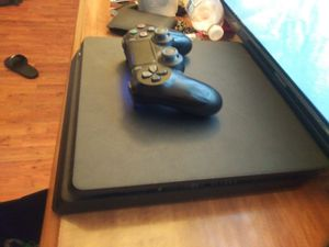 Ps4 with controller for Sale in Richmond, VA