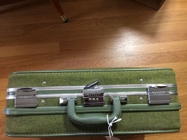 784c8a3c7 Vintage soft sided green fabric suitcase!! for Sale in Redmond, WA ...