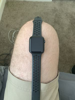 Apple Watch (series 4) 42mm for Sale in San Diego, CA