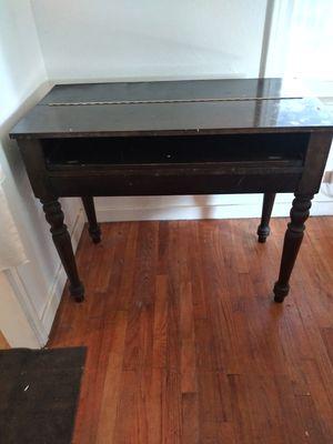 Antique desk for Sale in Fresno, CA