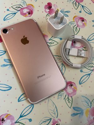 IPhone 7 32gb Rosegold UNLOCKED for Sale in Round Rock, TX