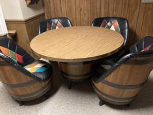 Barrel table and four chairs for Sale in Quincy, IL