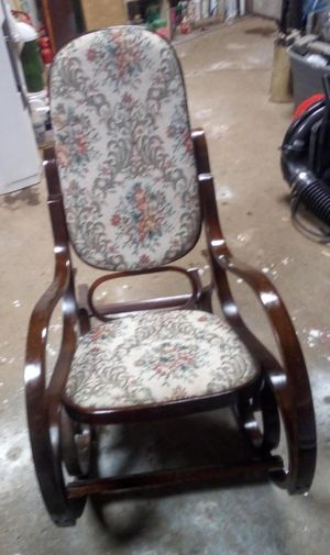 Antique Bentwood rocking chair for Sale in North Little Rock, AR
