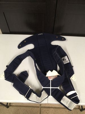 BABY CARRIER, Front Carrier, Extra Strap, Baby Bjorn for Sale in Las Vegas, NV