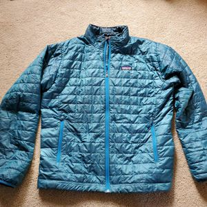 Patagonia Nano Puff Jacket. Mens large. Excellent Condition--no rips or stains, worn lightly to work and around town. This is a limited edition color for Sale in Bothell, WA